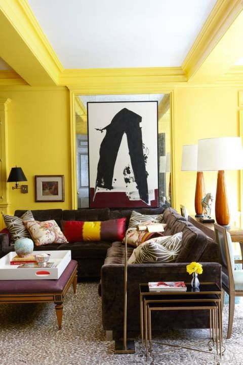 HOT FOR HUE: YELLOW DECOR IN THE LIVING ROOM