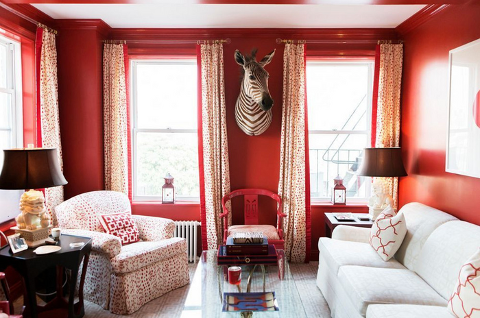 HOT FOR HUE: RED DECOR IN THE LIVING ROOM
