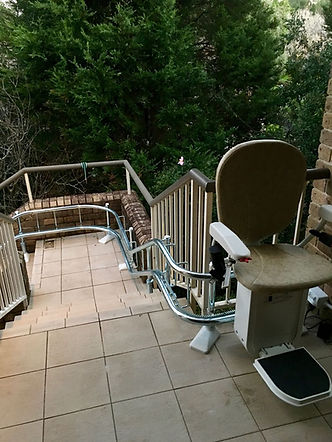Montascale a sedia per esterni.jpg