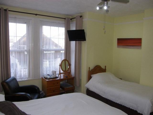 bedroom4-4
