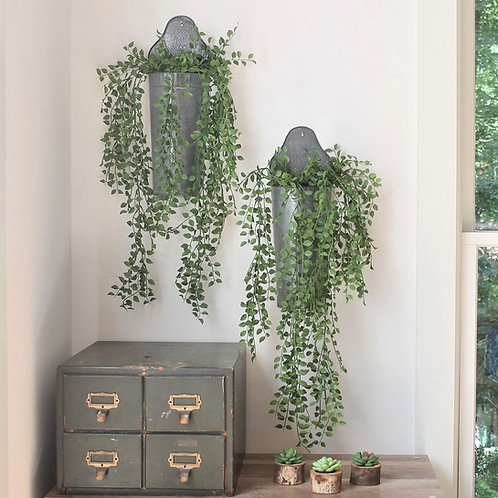 Raised back wall bucket with faux vine