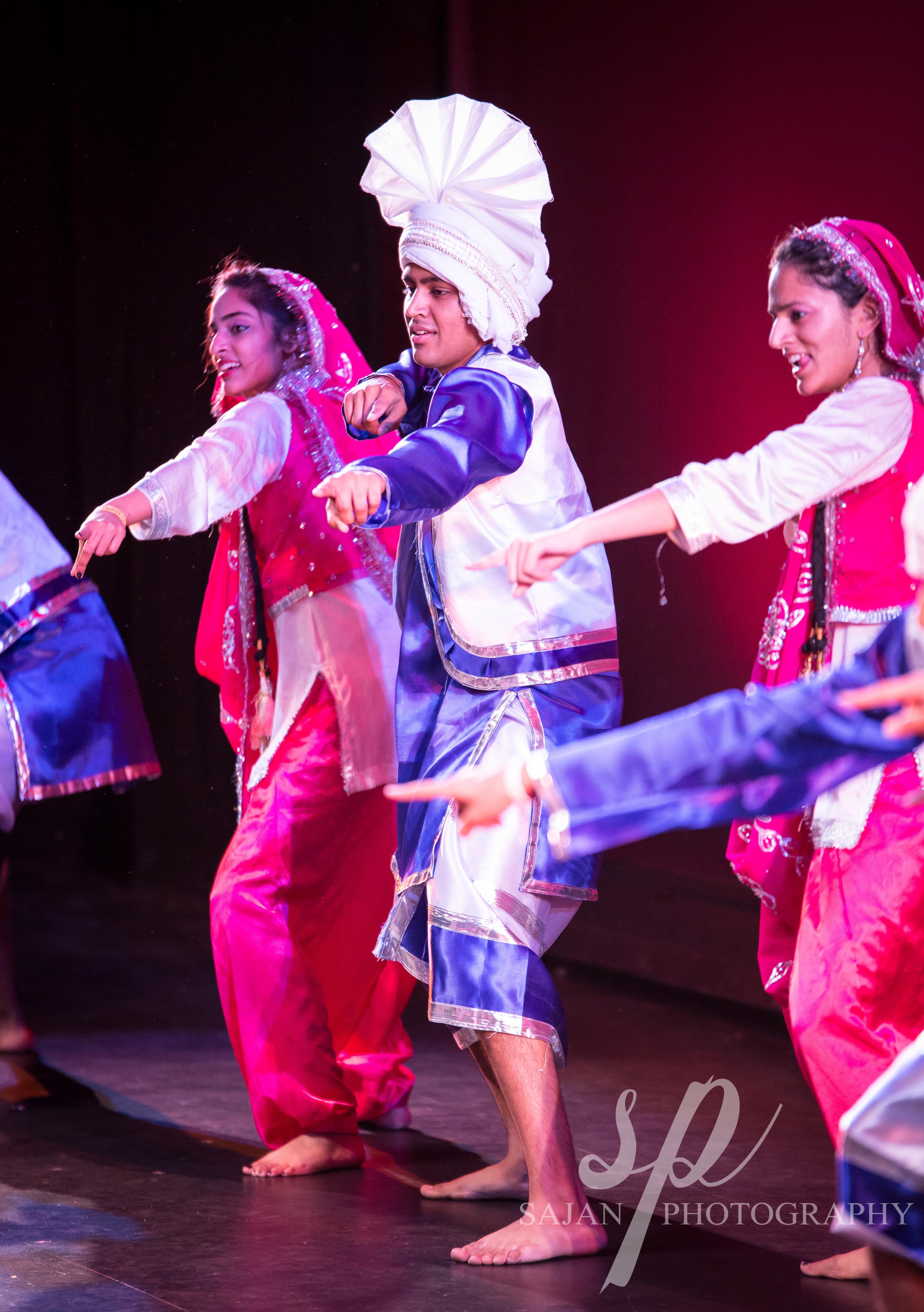 Chowl Bhangra at R2B2 2014