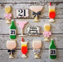 Happy 21st Birthday, Amanda! _#customcookies #decoratedcookies #decoratedsugarcookies #sugarcookies