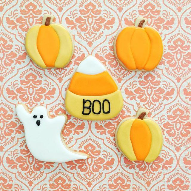 Happy Halloween!! 👻🎃_#halloweencookies #customcookies #decoratedcookies #royalicing #sugarcookies