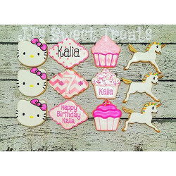 #hellokitty #unicorns and #cupcakes all in her favorite color, PINK! Happy Birthday, Kalia!! #custom