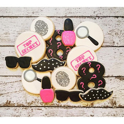 A client's daughter is having a girlie spy theme party today!  She sent me pics via Pinterest - than