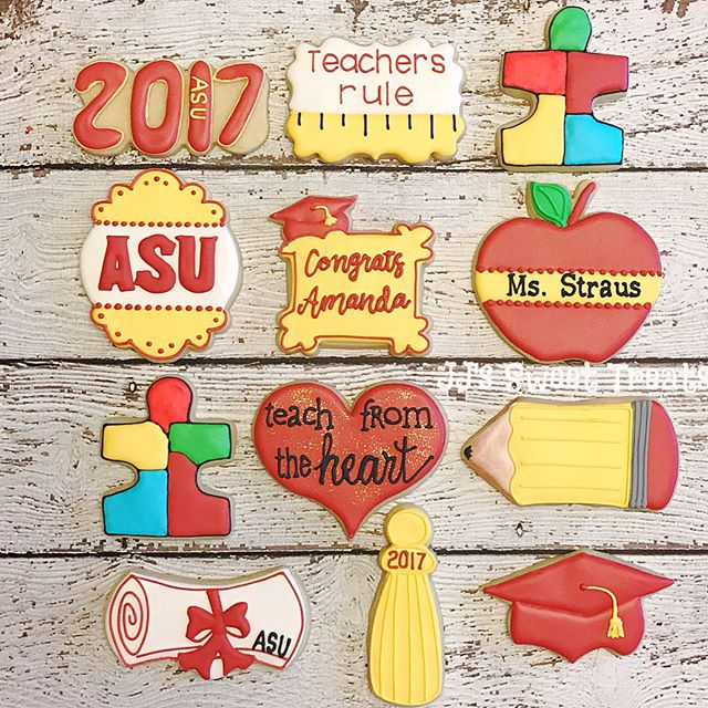 #Asu graduation teacher cookies! Congrats, Amanda! 🎓 ___________#customcookies #decoratedcookies #d