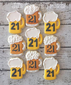 #beercookies for a 21st birthday party! 🍺__#customcookies #decoratedcookies #decoratedsugarcookies