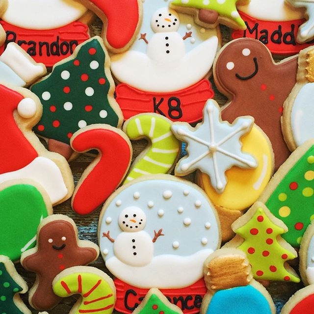 I'm going to miss decorating #christmascookies! #customcookies #decoratedcookies #sugarcookies #roya