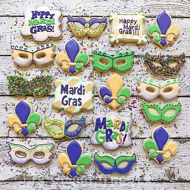 Mardi Gras cookies!  Love my sprinkles from _texansprinkles