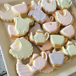 Love these tea party baby shower minis! _#customcookies #decoratedcookies #decoratedsugarcookies #su
