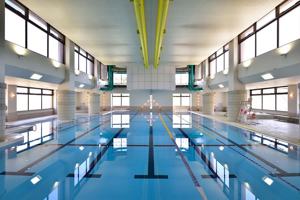ニセコで唯一の屋内プールを完備。 25mの本格コースをお楽しみください。小さなお子様も遊べる浅瀬もございます