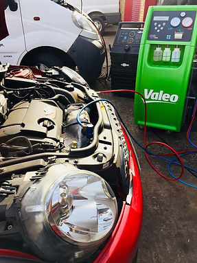 Car air conditioning recharge hinckley