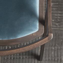 Стул TOR с мягким сиденьем из дерева