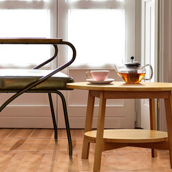 KRASKA-журнальный-столик-HJUL-и-кресло-S