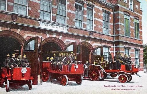 Brandweer Karzerne Dirk, 1910. Hobbemakade Amsterdam.