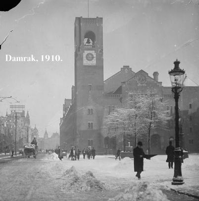 Sneeuw op het Damrak, 1910.