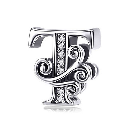 Charm plata letra T