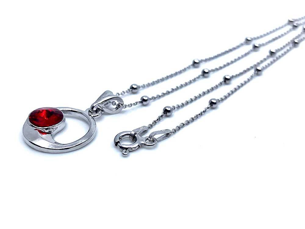 collar de plata rodiada