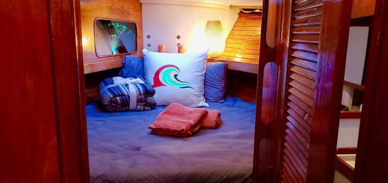 Sailboat Spacious Interior