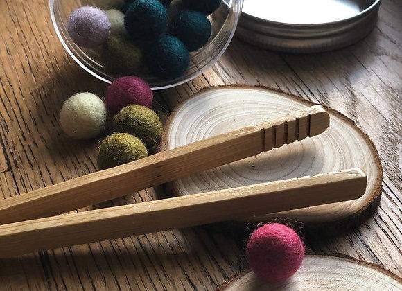 Mini wool balls + wood tong kit