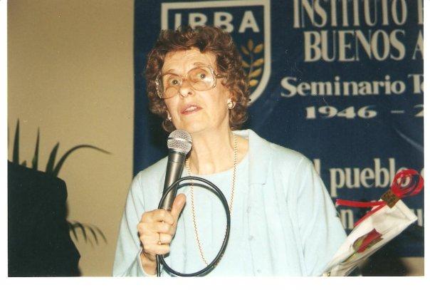 Betty_Morris,_gracias_a_Betty_el_silencio_de_la_Biblioteca_era_uno_de_los_tesoros_más_apreciados_par