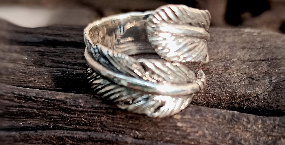 Fingerring udformet som et naturtro blad - leaf