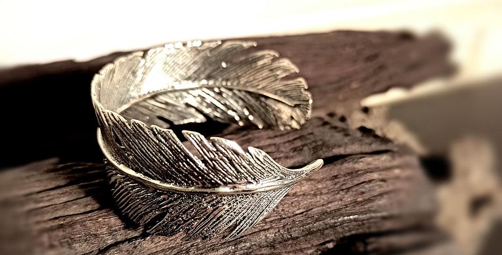 Fast sølvarmbånd udført som et blad - Leaf