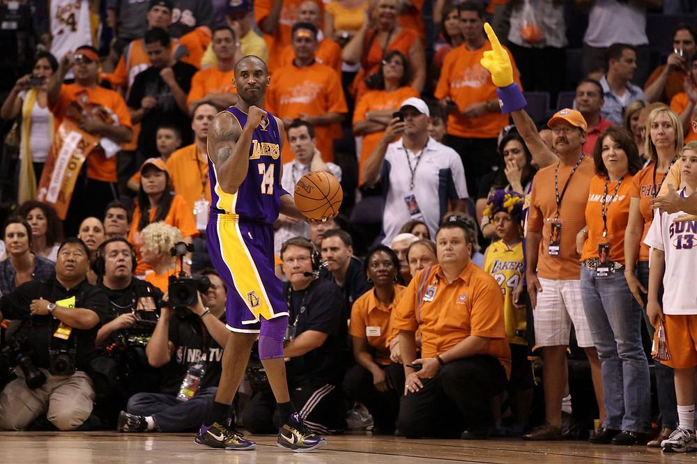 Kobe_Bryant_Phoenix_Suns_NBA_Around_the_Game