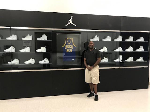 Fred_Lynch_Jordan_NBA_Around_the_Game