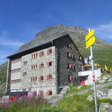 Staying in Mountain Huts Resource Page
