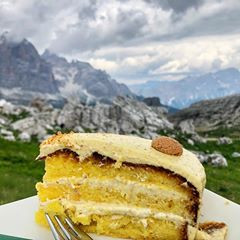 Prosecco Cake Recipe - A Taste of the Alps Series