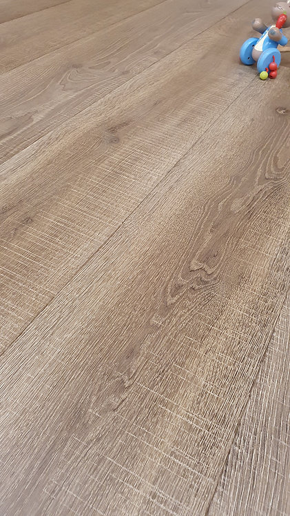 Bracken Bandsawn European Engineered Oak