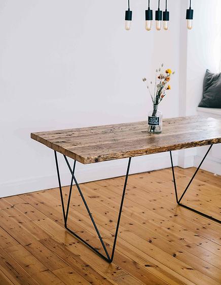 Designer Esstisch aus Altholz aus Gerüstbohlen