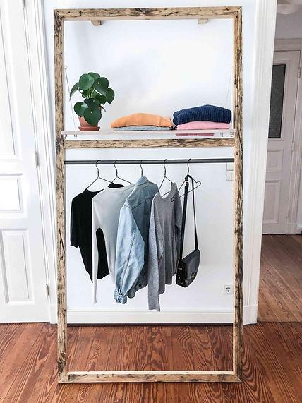 Designer Garderobenständer oder Kleiderständer aus Altholz