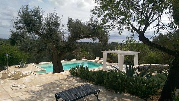 TrulliRoccia Trulli Hébergement dans les Pouilles avec piscine privée Pouilles Pouilles Villas italiennes Pugliah.com