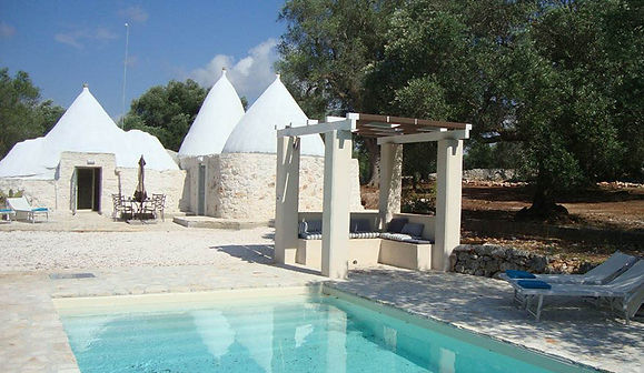 TrulliPesca 2 bedrooms, 2 bathrooms restored trulli accommodation in Ostuni countryside with private pool Pugliah.com