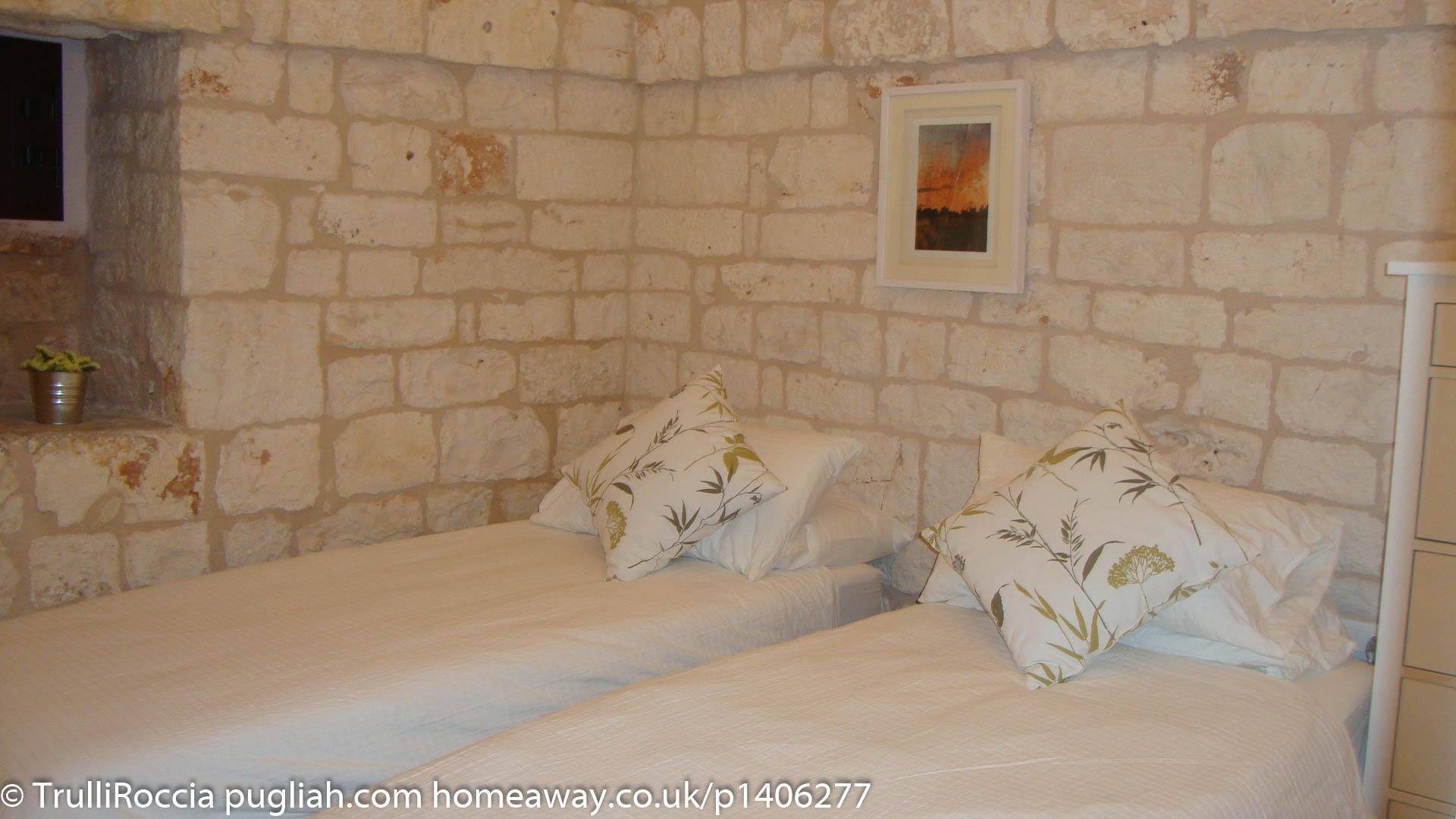 TrulliRoccia Bedroom 2 - 2x Singles