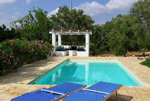 TrulliPesto 2bedrooms, 2 bathrooms restored trulli accommodation in Ostuni countryside with private pool Pugliah.com