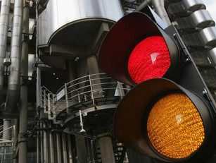 Traffic light technology which could reduce congestion and pollution tested in UK