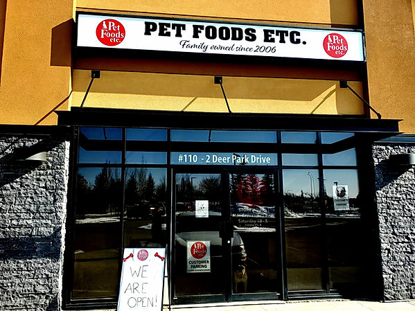 Front of Pet Foods Etc Spruce Grove.jpg
