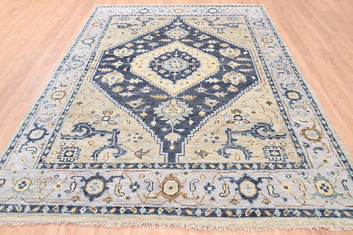 #568  Hand Knotted Geometric Oriental Rug