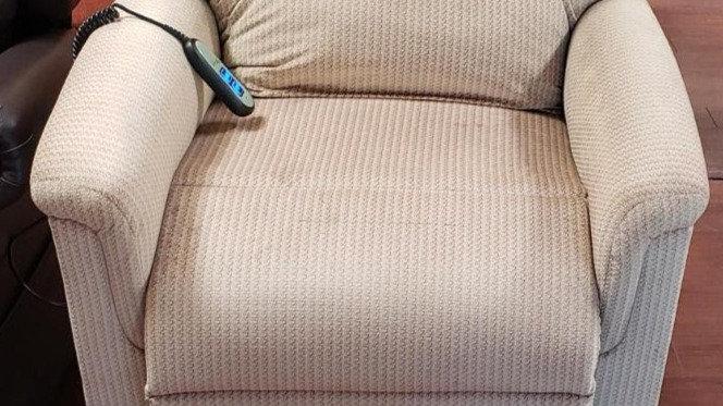 Ultracomfort UC 542 lift chair