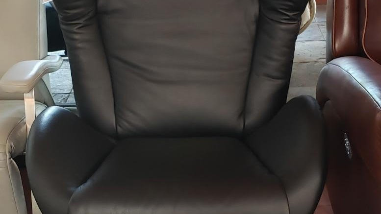 Lafer Amy recliner, black leather