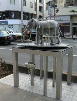 象の工事現場