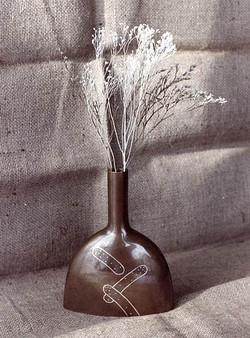 象嵌のある花器