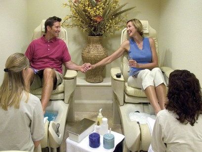 WHY COUPLE SHOULD GET A PEDICURE TOGETHER in Bradenton , Florida