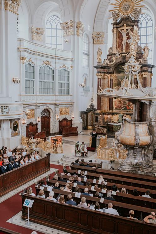 Weddingphotography Hamburg St.Michaelis Ceremony exclusive wedding