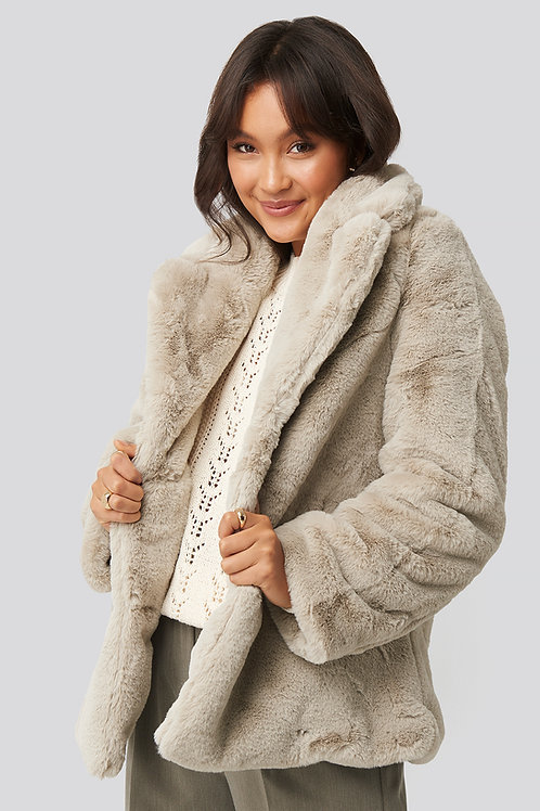 NA-KD SHORT FAUX FUR COAT