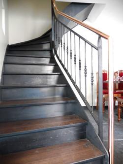 Escalier balancé et rampe